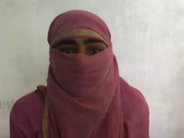 योगीराज में न्याय के लिए भटक रही गैंगरेप पीड़िता, मामला रफा-दफा कराने में जुटी पुलिस!