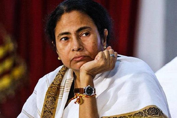 नारद स्टिंग ऑपरेशन मामला: TMC के 3 नेताओं सहित 13 के खिलाफ मामला दर्ज