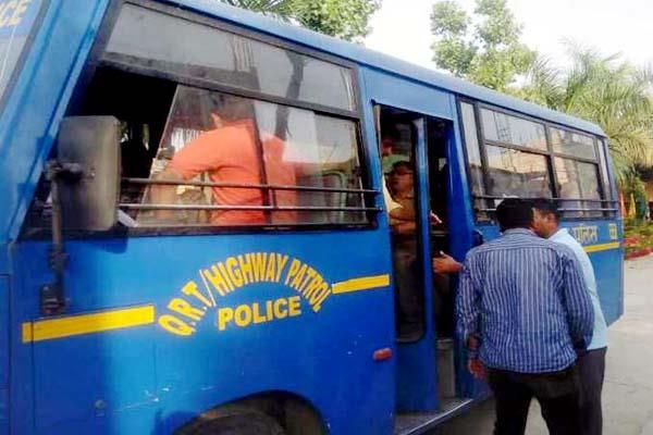 स्कूल में चल रहे 'इस' धंधे का ऐसे हुआ पर्दाफाश, 28 गिरफ्तार