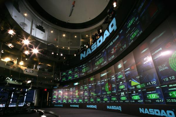 अमरीकी बाजार पर दबाव, डाओ 23.7 अंक गिरा