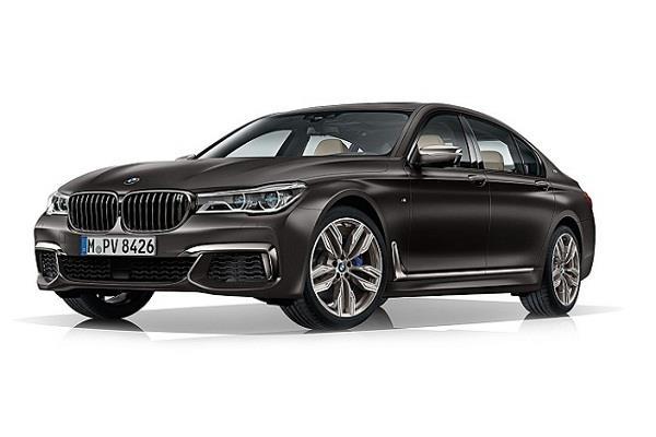 BMW ने लांच की 2.27 करोड़ की पैट्रोल चालित कार