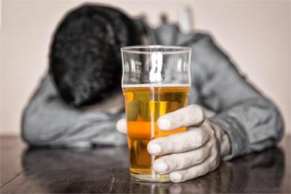 शराब ने आपका घर तबाह कर दिया है, एक क्लिक में पाएं हल