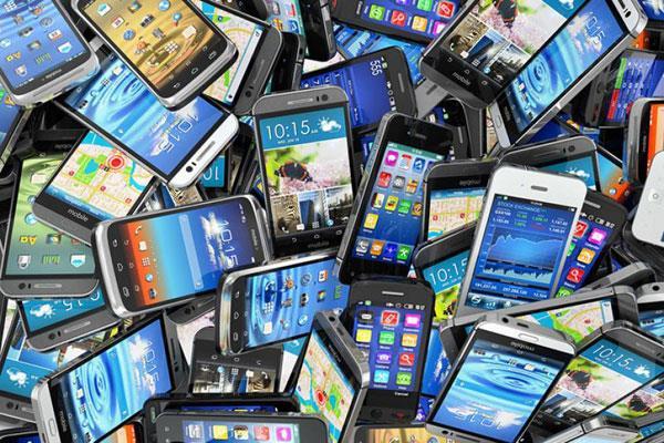 स्मार्टफोन बाजार नोटबंदी के प्रभाव से उबरा, पहली तिमाही में 4.7% बढ़ा