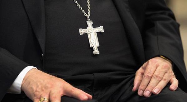 पादरी ने कबूला 30 मासूम बच्चियों से रेप का गुनाह, चर्च ने फिर भी कर दिया माफ !
