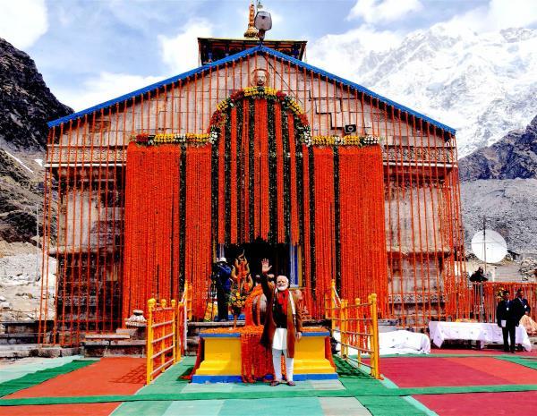 खुल गए केदारनाथ धाम के कपाट, सबसे पहले PM मोदी ने किए दर्शन