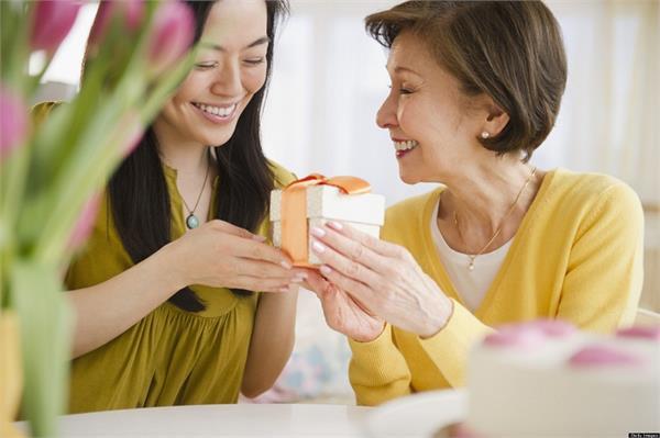 Mother''s Day Special ''मदर्स डे'' के मौके पर मां को दें कुछ खास गिफ्ट