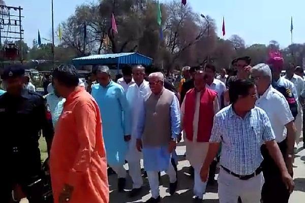 भिवानी दौरे पर CM खट्टर, 166 करोड़ रुपए लागत की परियोजनाओं का किया शुभारंभ