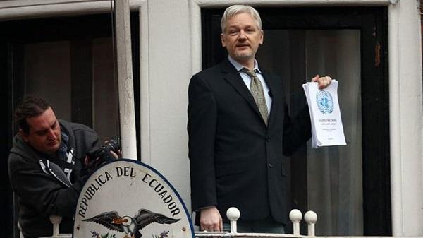 असांजे मामले की जांच धीमी,  इक्वाडोर ने स्वीडन को माना दोषी