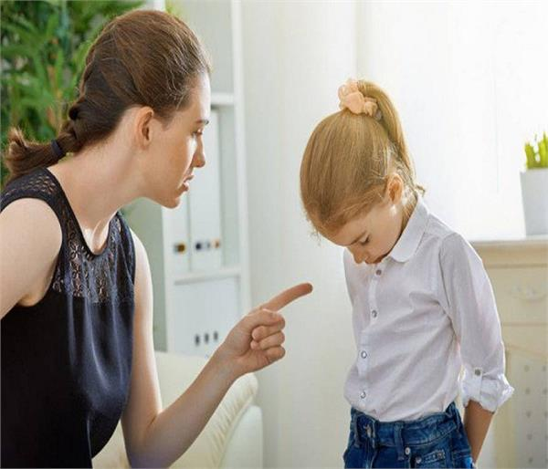 Parents की इन गलतियों के कारण बिगड़ते हैं बच्चे !