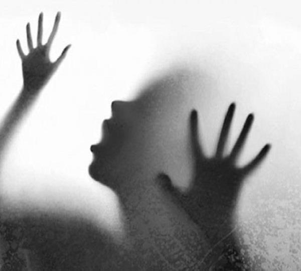 छेड़छाड़ से आहत युवती ने किया SUICIDE
