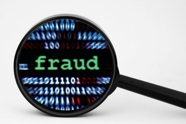 ऑस्ट्रेलियाई कर अधिकारी पर धोखाधड़ी का आरोप