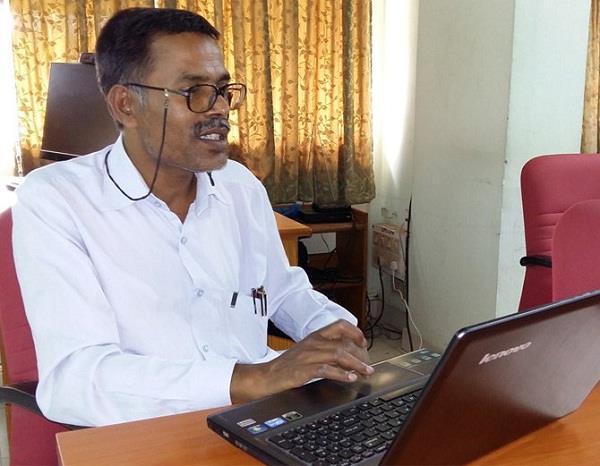कानपुर के प्रोफेसर का दावा, IIT के 60 प्रतिशत स्टूडेंट्स को नहीं आती इंग्लिश