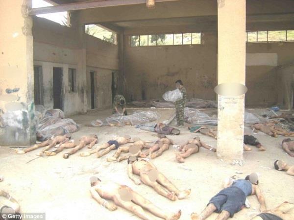 सीरिया जेलों में हो रही सामूिहक हत्याएं, रोज जलाए जा रहे 50 शव