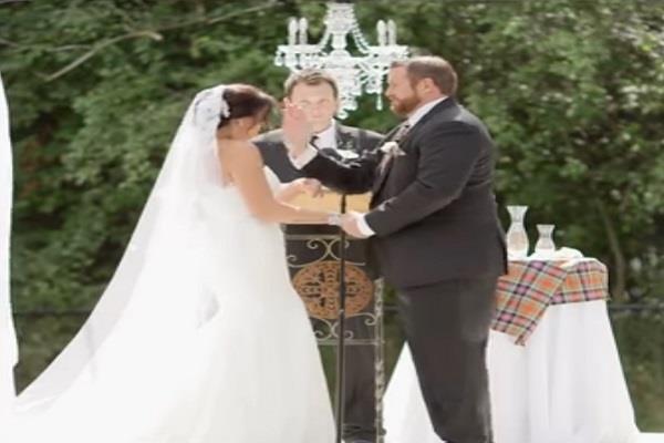 शादी के दौरान दूल्हे ने दुल्हन को जड़ दिया थप्पड़, वीडियो Viral