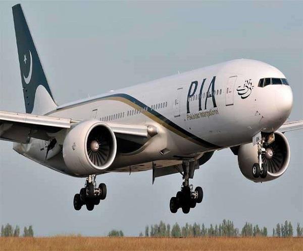 पाकिस्तानी विमान चालक दल 5 घंटे रहा हिरासत में, लंदन में हुई पूछताछ