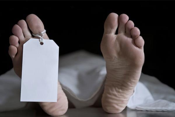 महिला की संदिग्ध मौत, शक की सुई अपनों पर