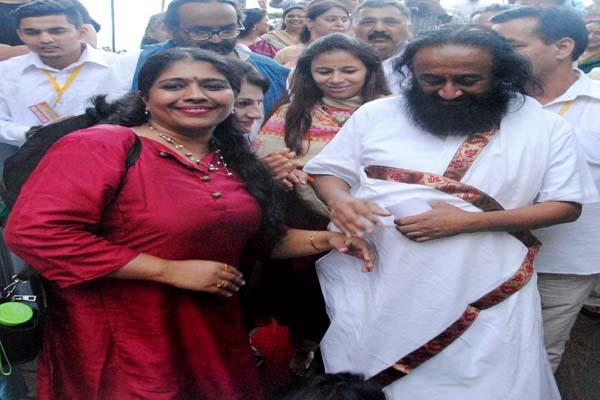 धर्मशाला पहुंचे श्रीश्री रविशंकर