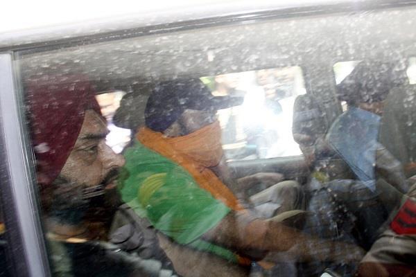 इंस्पैक्टर इंद्रजीत सिंह की गिरफ्तारी ड्रग तस्करों को राहत तो नहीं!