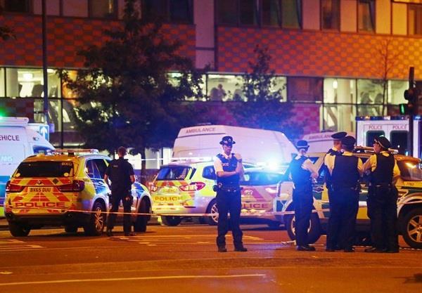 लंदन: मस्जिद के बाहर आतंकी हमला! 2 की मौत, 8 घायल