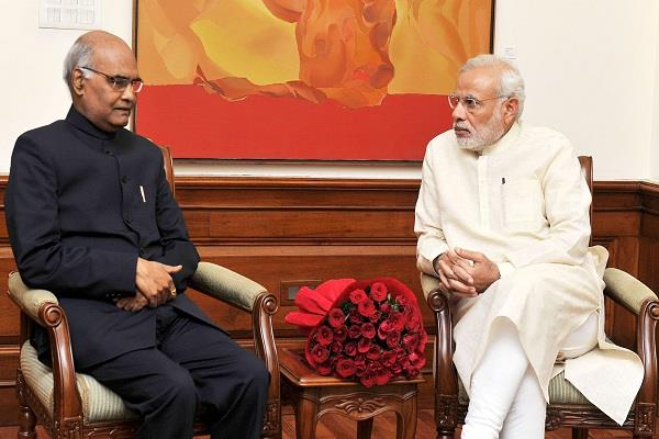 कोविंद को राष्ट्रपति प्रत्याक्षी घोषित कर BJP ने सबको चौंकाया, विपक्ष उतार सकता है संयुक्त उम्मीदवार