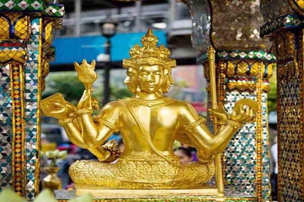 बैंकाक में है ब्रह्मा जी का मंदिर, बुरी शक्तियों से बचने के लिए हुआ था निर्माण
