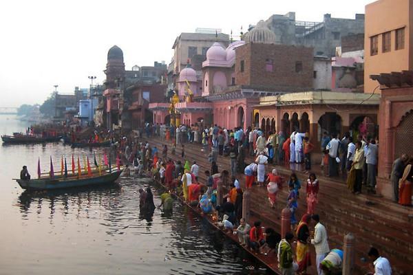 क्लेशों से मुक्ति दिलाता विश्रांति घाट, श्री कृष्ण ने स्नान कर किया था विश्राम