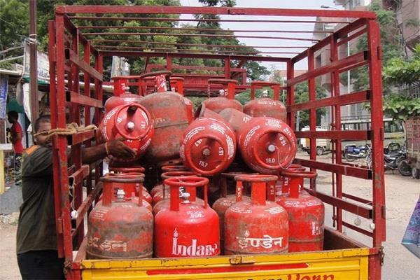 GST: आम जनता को मिलेगी राहत, LPG होंगी सस्ती