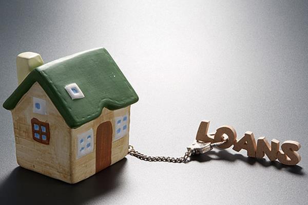 सस्ते घरों की बिक्री बढ़ी, बैंकों में होम लोन के आवेदनों की बाढ़!
