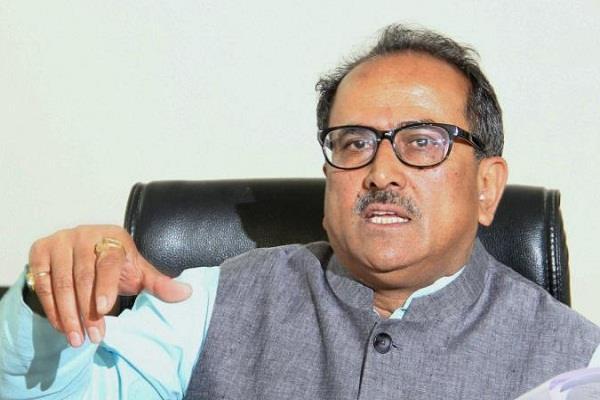 उप-मुख्यमंत्री ने पूर्व राज्यपाल को अर्पित की श्रद्धांजलि
