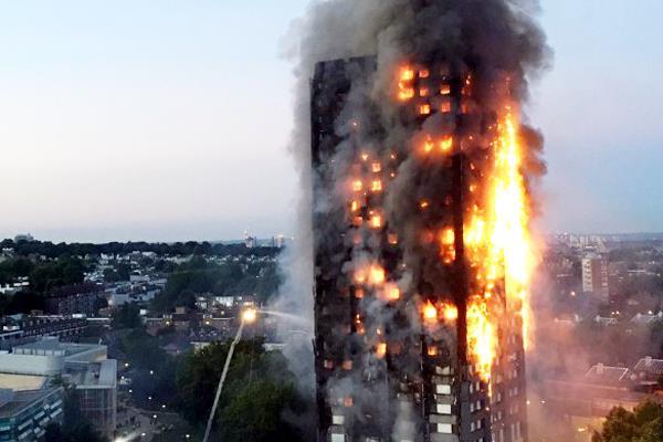 लंदन: 24 मंजिली इमारत में लगी भीषण आग; कई लोगों की मौत, 30 से ज्यादा झुुलसे