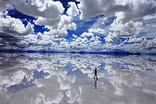 दुनिया का एेसा अाईना जहां जमीं पर बिछ जाता है आसमान(pics)