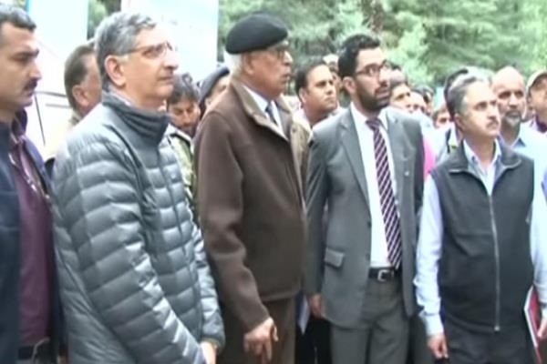 the governor checking preparations for amarnath yatra