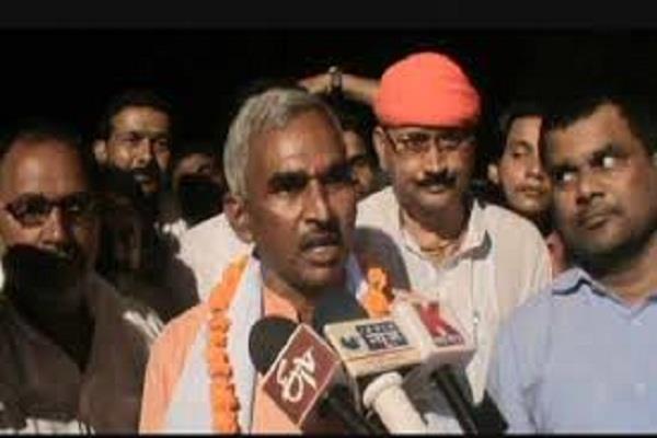 भाजपा विधायक ने दिया थाने पर धरना, जानिए क्या है वजह?
