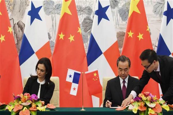 पनामा ने ताइवान से संबंध तोड़ चीन का थामा हाथ