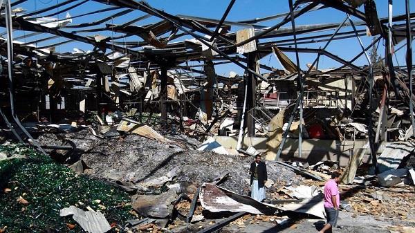 यमन के बाजार में हवाई हमला, 24 की मौत