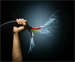 बिजली विभाग की बड़ी लापरवाही, हाईटेंशन तार से झुलस कर 2 की मौत