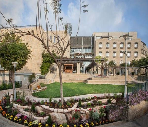 इस होटल में हनीमून मनाने पर मिलेंगे 70 लाख रूपए