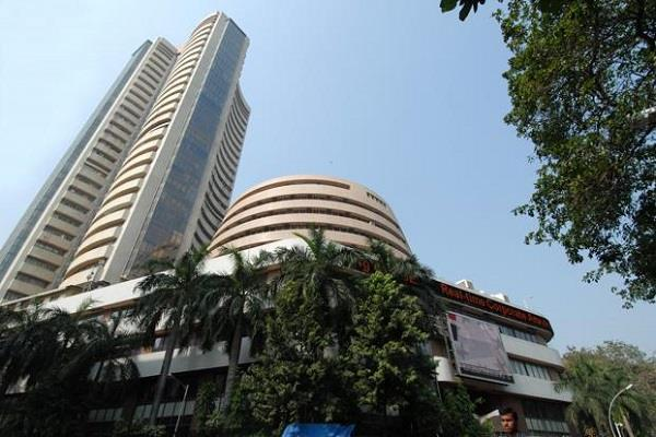 शेयर बाजार में गिरावट, सैंसेक्स 80 अंक गिरा