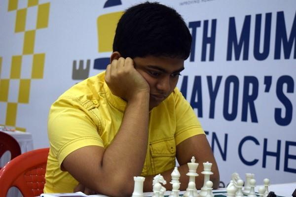 मुंबई इंटरनेशनल शतरंज -12 देशो के खिलाड़ी दिखा रहे दमखम ,दीप्तयान शीर्ष भारतीय