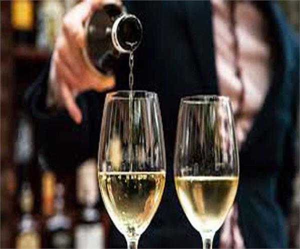 पंजाब: हाईवे के होटलों में परोसी जा सकेगी शराब, एक्साइज एक्ट में संशोधन को मंजूरी