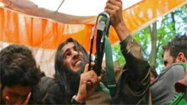 जुनैद मट्टू के जनाजे में आतंकियों का लगा मेला, फायरिंग कर दी सलामी