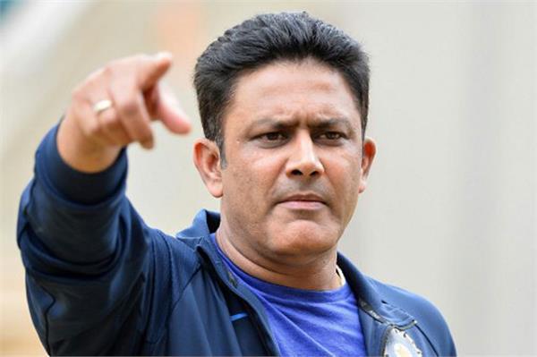 WI दौरे से पहले भारतीय टीम को झटका, कुंबले ने आखिर छोड़ दिया कोच पद