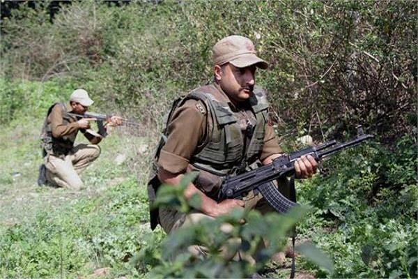 J&K: पुलवामा में सेना के गश्ती दल पर आतंकी हमला, 1 नागरिक की मौत