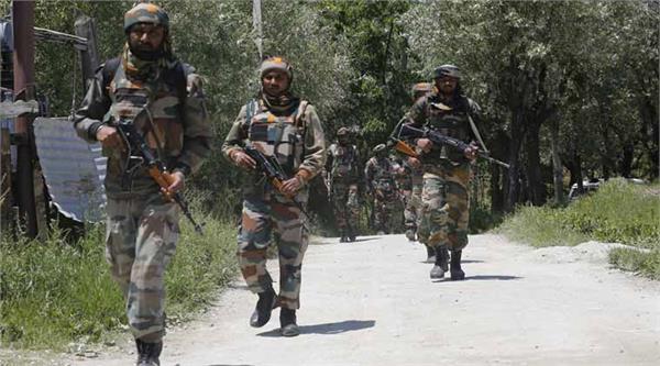 सेना और सीआरपीएफ कैंप पर आतंकी हमला