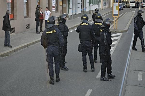 पराग्वे में गोलीबारी में 4 लोगों की मौत, 11 घायल