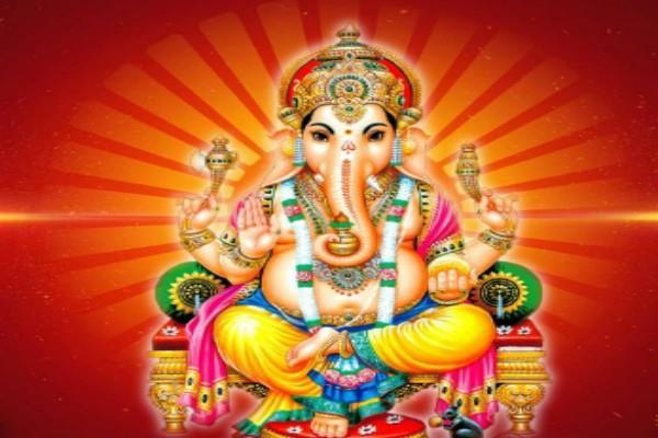 आज का पंचांग: 15 जुलाई 2017, शनिवार श्रावण कृष्ण तिथि षष्ठी