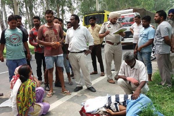 तेज रफ्तार ट्रैक्टर-ट्राली ने कुचला रिक्शा चालक, मौत