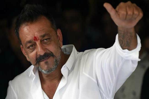महाराष्ट्र सरकार ने बंबई हाईकोर्ट से कहा, नियमों के अनुरूप जल्दी रिहा हुआ संजय दत्त