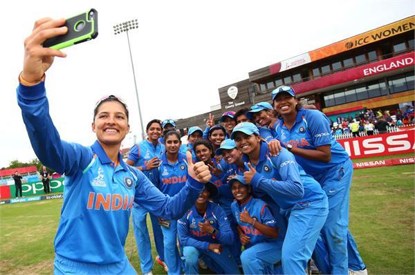 भारत के महिला विश्व कप के सेमीफाइनल में पहुंचने पर बधाईयों का तांता