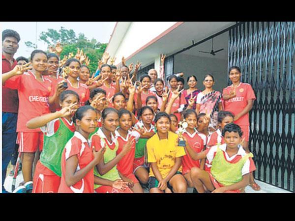 हॉकी प्रतियोगिता के बालक व बालिका वर्ग में एसएस उवि की टीम चैम्पियन